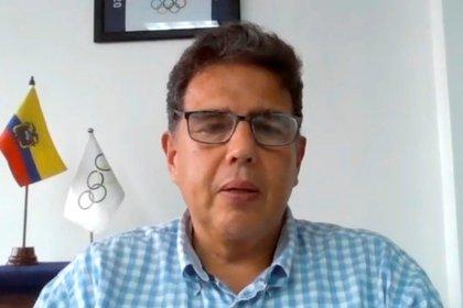 El presidente del Comité Olímpico Ecuatoriano (COE), Augusto Morán, habla durante una videoentrevista con Efe del 17 de junio de 2020 desde Guayaquil (Ecuador). EFE