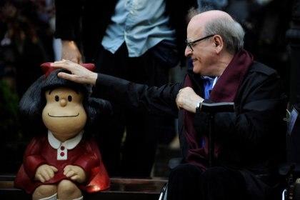 Quino y Mafalda (Foto: REUTERS/Eloy Alonso)