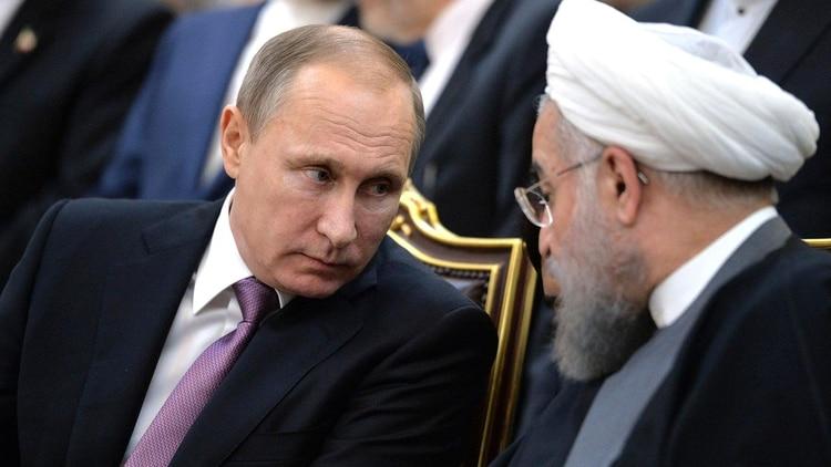 Vladimir Putin y Hassan Rohani (Shutterstock)