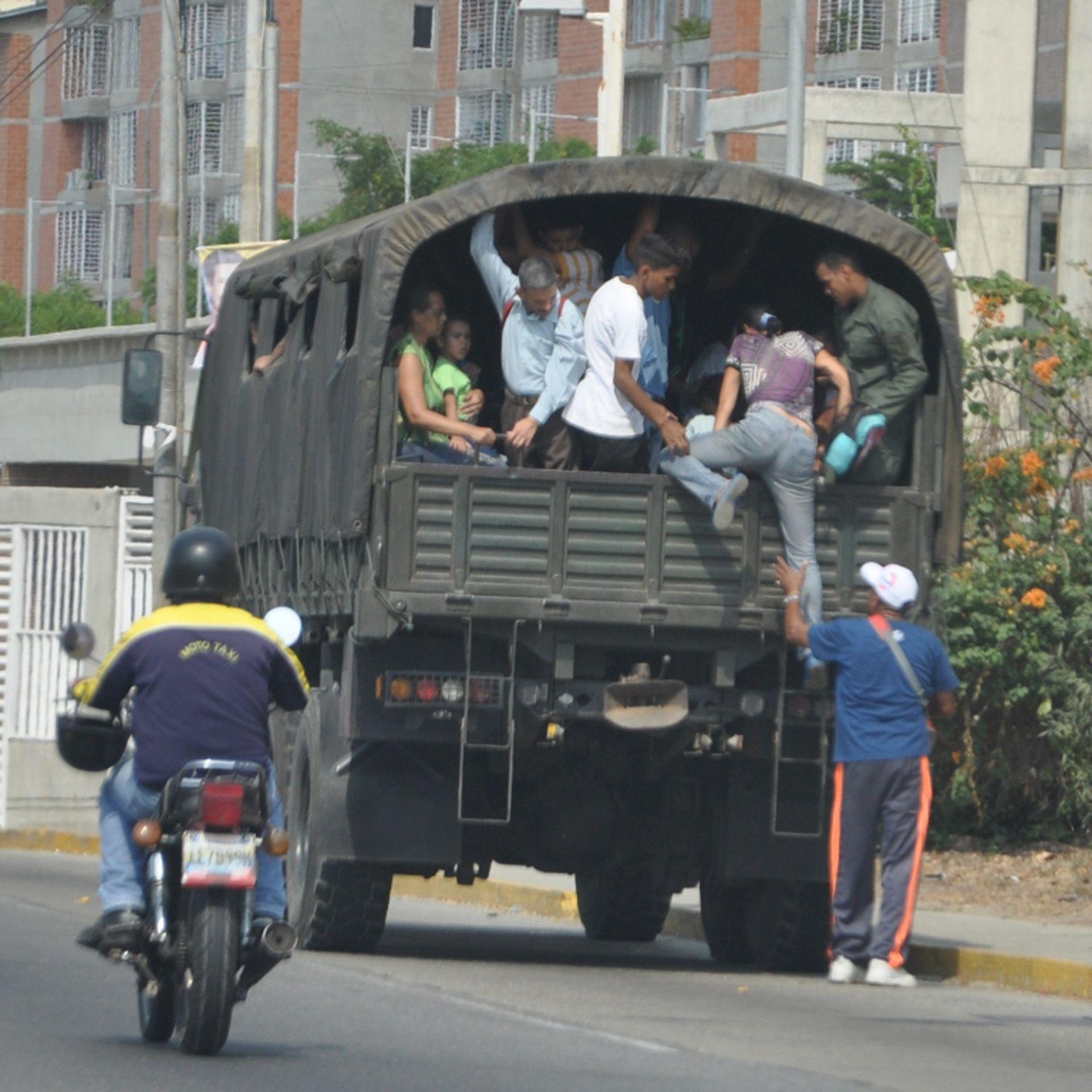 Perrera en un sector del oeste de Caracas (Foto: Elizabeth Ostos)