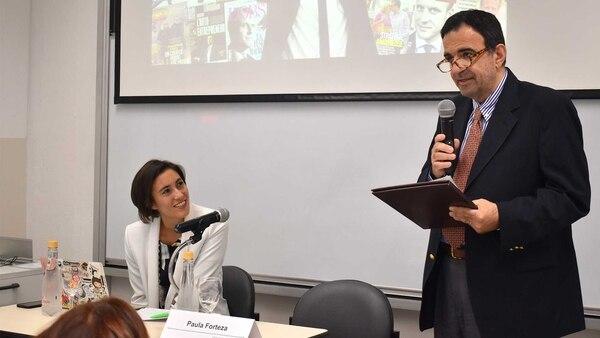 Forteza fue presentada por quien fuera su profesor, Darío Roldán, director de los Posgrados en Historia de la Universidad Torcuato Di Tella. Foto: Gentileza Prensa UTDT.