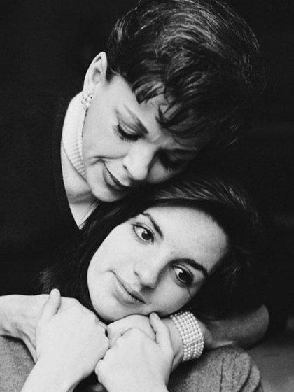 Judy Garland y Liza Minnelli (Instagram: officiallizaminnelli)