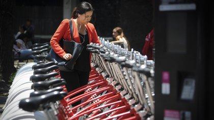 Las empresas que ofrecen servicios de bicicletas sin anclaje compiten con Ecobici, operado por el Gobierno capitalino y que funciona desde 2010 (Foto: Cuartoscuro)