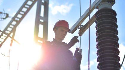 Los comercios pasarán a pagar el precio pleno de la energía en 2018. (iStock)