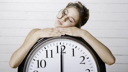 Dormir mal. Los ronquidos y las apneas que interrumpen de manera intermitente el sueño provocan un cuadro de somnolencia diurna, falta de productividad, desgano, impotencia, accidentes de tránsito, entre otros que atentan contra el buen desempeño de una vida cotidiana plena.