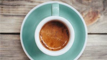 El café puede ser una excelente opción para apagar el hambre (iStock)