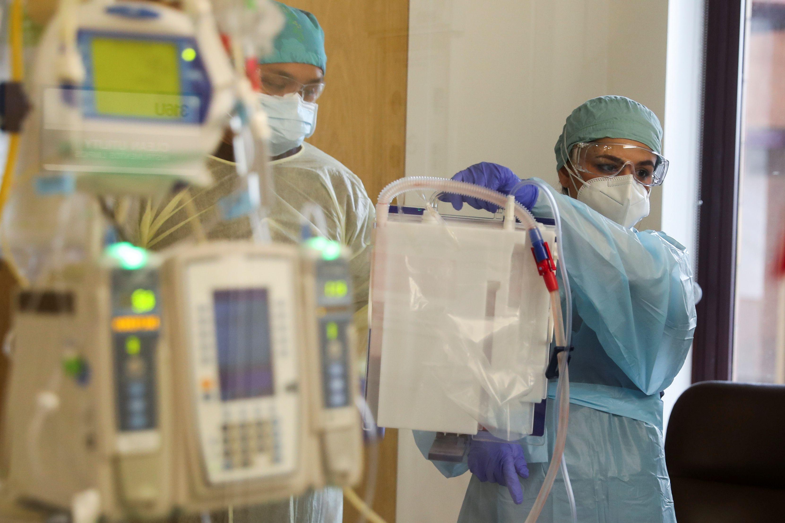 Más de 10,000 mujeres embarazadas han dado resultado positivo al virus SARS-CoV-2 en México REUTERS/Lucy Nicholson