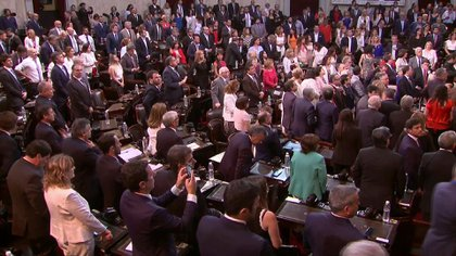 Se constituyó la Asamblea Legislativa y se aguarda por la llegada de Alberto Fernández