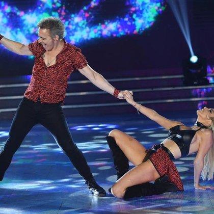 En la última gala, el cantante y la modelo le ganaron en el voto telefónico a Leticia Brédice y Fernando Bertona