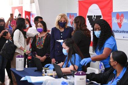 Jill Biden praises California farm workers for their diligence during epidemics (via Mandel Nagan / Pool REUTERS)