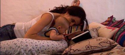 Marie junto a Nippur bebé