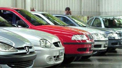 El ranking de venta de autos usados de diciembre de 2020 estuvo conformado de la siguiente manera: VW Gol y Trend: 9.790; Chevrolet Corsa y Classic: 6.075; Toyota Hilux: 3.963; Renault Clio: 3.744; Fiat Palio: 3.314; Ford Fiesta: 3.254; EcoSport: 2.926; Ford Ka: 2.901; Ford Ranger: 2.859 y Ford Focus: 2.846.