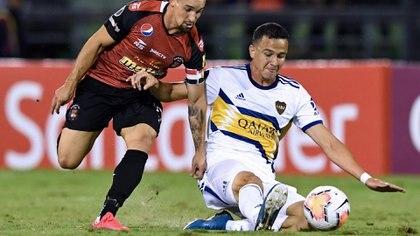 Leonardo Jara es recambio y se jugará la continuidad en lo que queda del semestre: ¿tendrá oportunidades? (AFP)