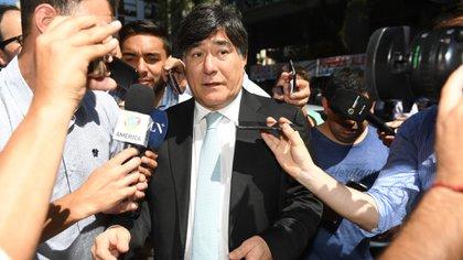 Carlos Zannini coordina la estrategia del Gobierno ante la Corte para defender el DNU de Alberto Fernández que suspende las clases presenciales