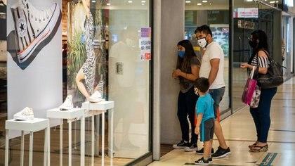 """Shoppings cerrados por dos semanas: """"Es devastador, muchos locales no van a poder volver a abrir"""""""