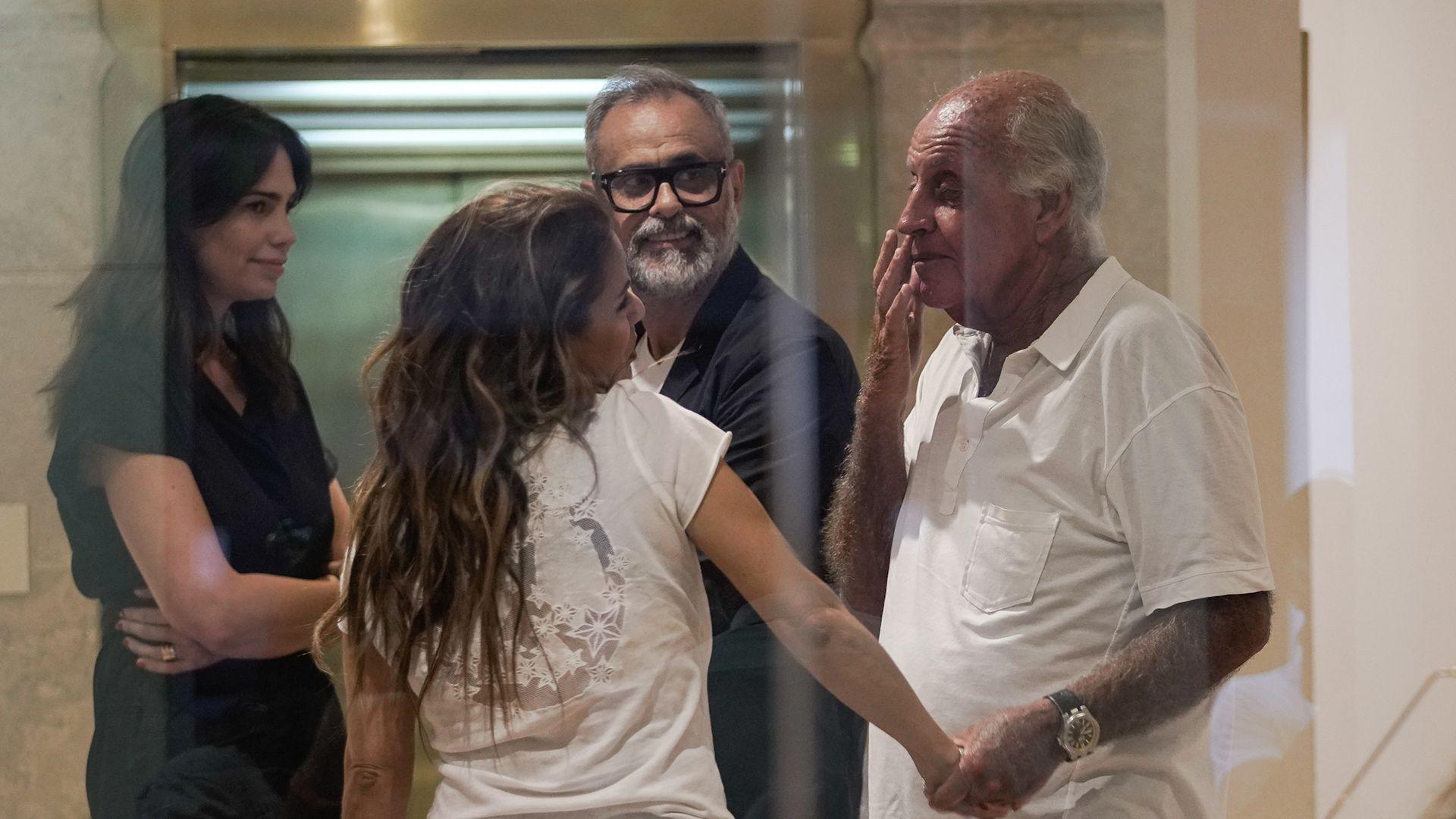 Coco Bal, hermano de Santiago, recibe las condolencias de Jorge Rial y Marina Calabró