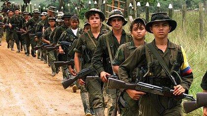Las Farc han sido el grupo armado que históricamente ha incurrido más en el reclutamiento de menores. Actualmente las estructuras disidentes y residuales de esta extinta guerrilla continúan perpetrándola.