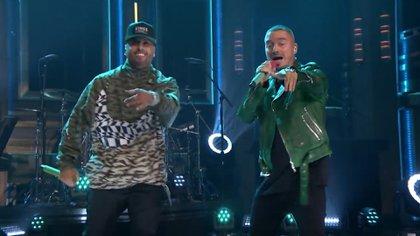 Nicky Jam y J Balvin se presentaron en el Tonight Show