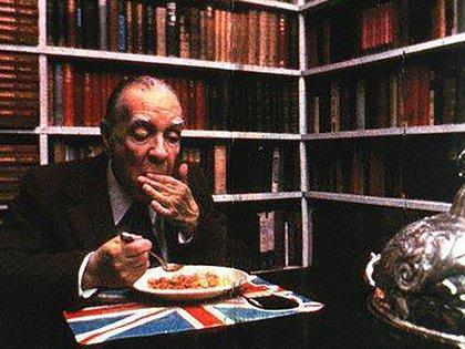 Borges y la carpetita con la Union Jack