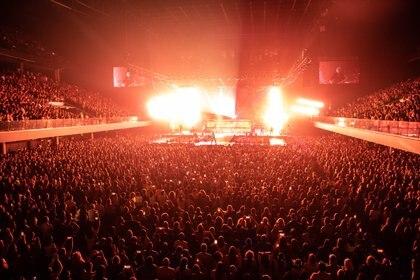 El cantante se presentó ante 11 mil espectadores en el Movistar Arena