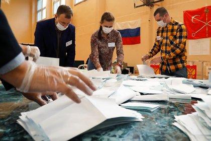 Conteo de votos en Rusia (Reuters)