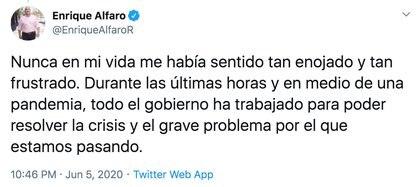 El gobernador manifestó su enojo a través de su cuenta de Twitter (Foto: Twitter @EnriqueAlfaroR)