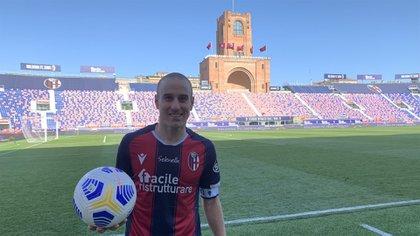 Rodrigo Palacio, feliz, se fue con la pelota por el triplete en Bologna (Bologna FC oficial)