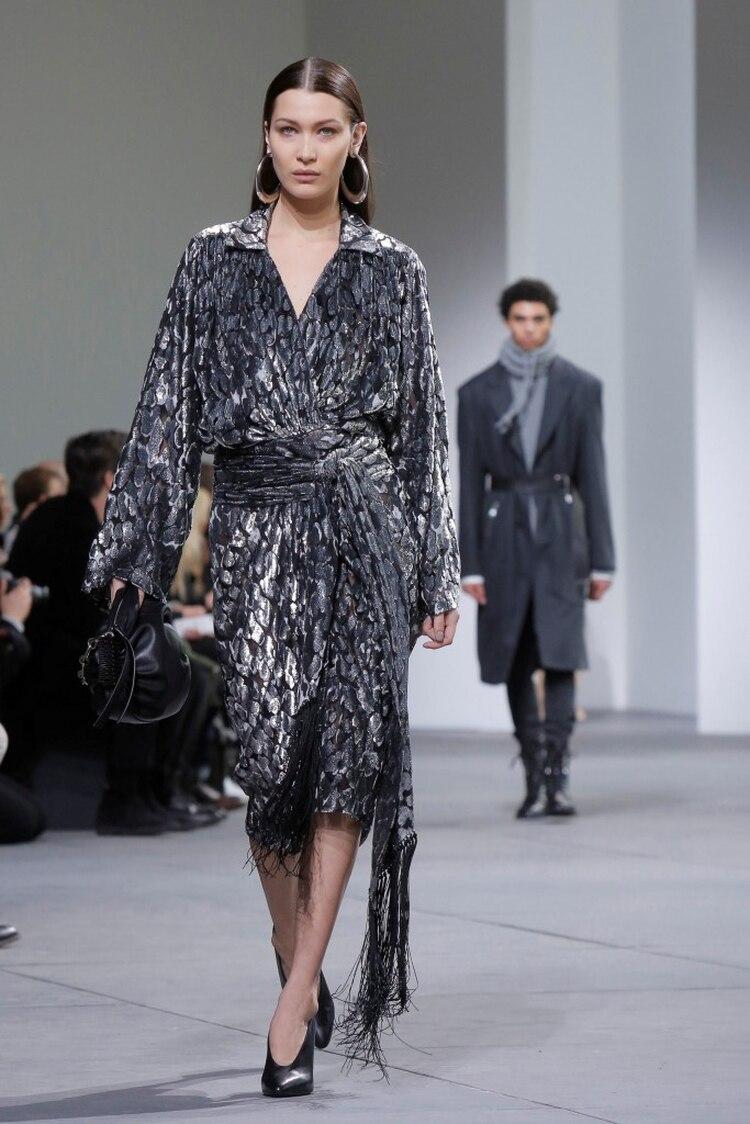 Bella Hadid en la pasarela del New York Fashion Week (Reuters)