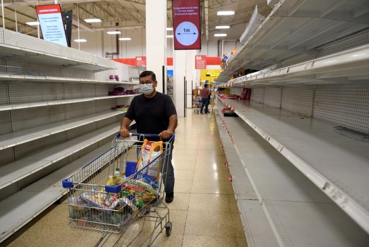 Mercados en Ecuador han reportado desabastecimiento por compras nerviosas motivadas al coronavirus