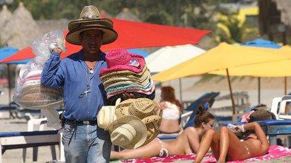 Dónde está Zipolite, la única playa nudista de México