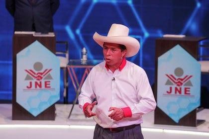 El candidato presidencial de extrema izquierda Pedro Castillo