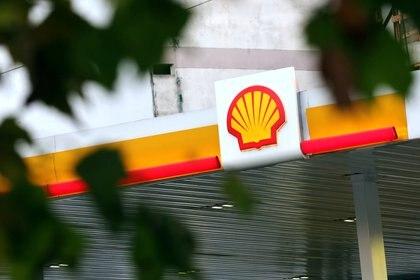 Las empresas de expendio de combustibles actualizaron sus precios en todo el país (REUTERS/Marcos Brindicci/File Photo)