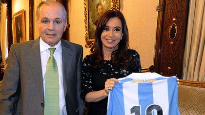 Alejandro Sabella junto a la ex presidente Cristina Kirchner