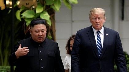 Kim Jong-un y Donald Trump, durante su encuentro en Hanói (REUTERS/Leah Millis)
