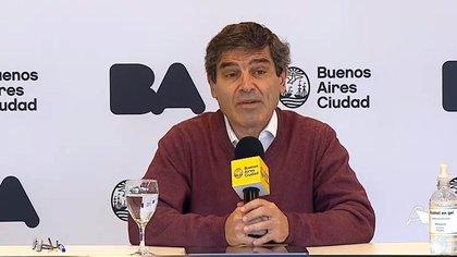 Fernán Quirós, ministro de Salud de la Ciudad, también habló de un descenso de casos de COVID
