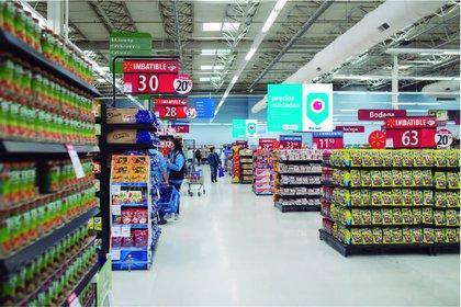 El rubro Alimentos y bebidas subió 2,7 con respecto a enero, un mes en el que los valores se habían disparado por el restablecimiento del IVA.