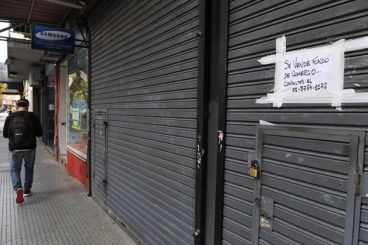 Varios dueños de locales pusieron en venta su fondo de comercio por la imposibilidad de operar y la drástica caída del consumo (Maximiliano Luna)