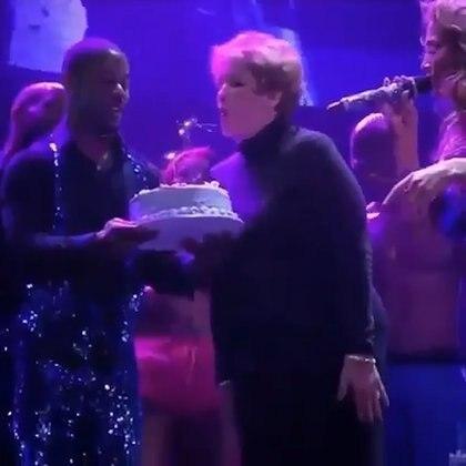 La mamá de JLo fue homenajeada sobre el escenario