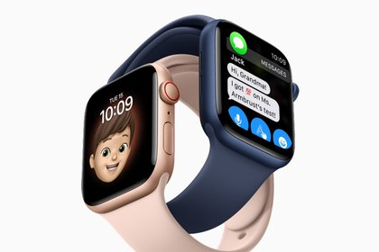 El sistema operativo watchOS 7 ofrece Configuración familiar, seguimiento del sueño, detección automática de lavado de manos, nuevos tipos de ejercicios y la capacidad de seleccionar y compartir esferas de reloj.