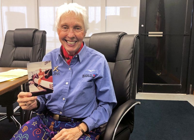 Wally Funk, una de las primeras mujeres astronautas, no viajó al espacio durante su carrera, pero ahora se sacará el gusto (Reuters)
