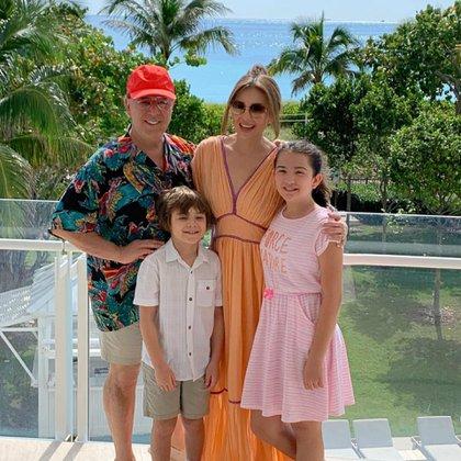 La familia de Thalía (Instagram)