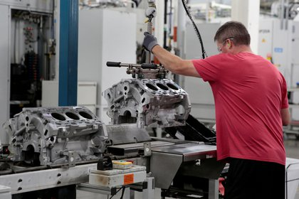 GM está en plena reestructuración de su planta de Detroit para producir allí vehículos eléctricos: eso se interrumpió. Rebecca Cook