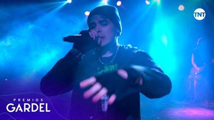 En los Premios Gardel 2020, Lit Killah interpretó una versión de Flexin, su más reciente colaboración con Bizarrap.