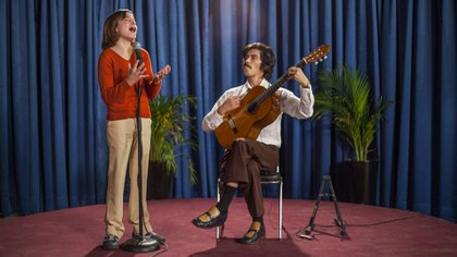 La serie retrata aspectos polémicos de la infancia del cantante (Foto: Netflix)
