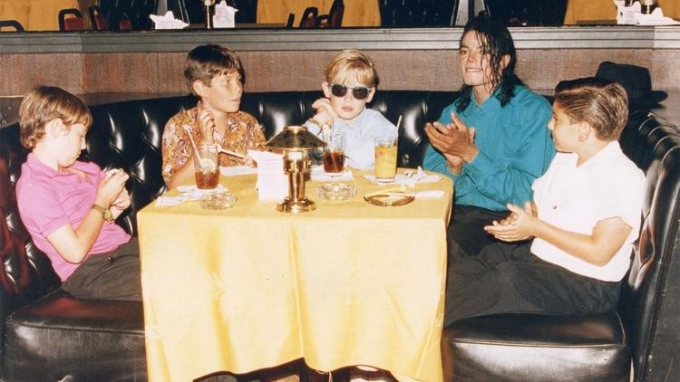 Michael Jackson y Macaulay Culkin (The Grosby Group)