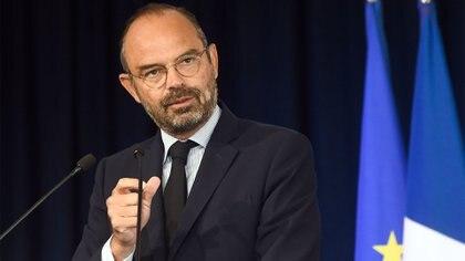 El Primer Ministro francés Edouard Philippe pronuncia un discurso durante el Congreso de Alcaldes, en Eppe-Sauvage, en el norte de Francia, el 20 de septiembre de 2019 (FRANCOIS LO PRESTI / AFP)