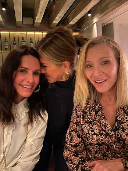 Divertidas y felices se mostraron las chicas de Friends. (Foto: Instagram de Jennifer Aniston)