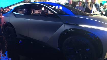 El vehículo ofrece un interior con realidad aumentada