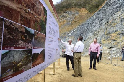 López Obrador visitó Badiraguato en marzo de este año para constatar avances en la edificación de la carretera que conecta esta demarcación con el municipio de Chihuahua, Guadalupe, y Calvo (Foto: Cortesía Presidencia)