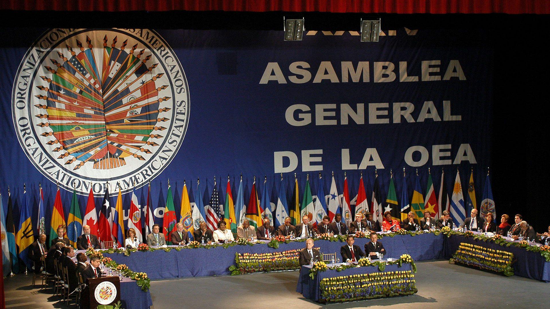 La Asamblea de la Organización de Estados Americanos (UEA) representa a todos los países de la región con excepción de Cuba y Venezuela